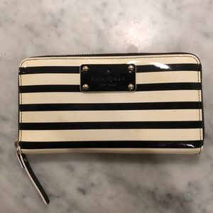 KATE SPADE ♠️ Striped Patent Leather Wallet